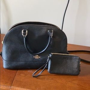 Coach bag and double zipper wristlet. Black